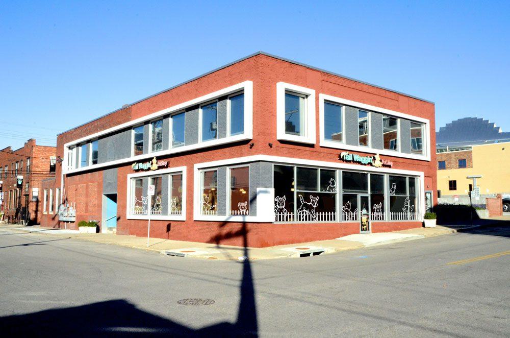 Tail Waggin' Petstop – Kansas City, KS